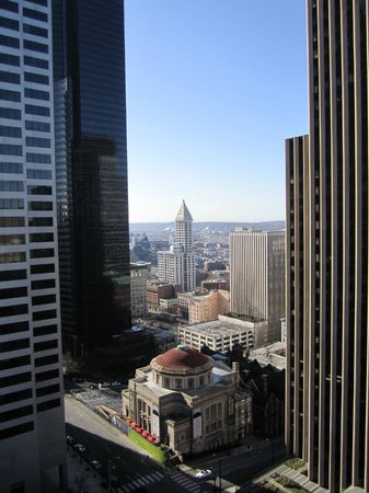 Renaissance Seattle Hotel : View from corner room