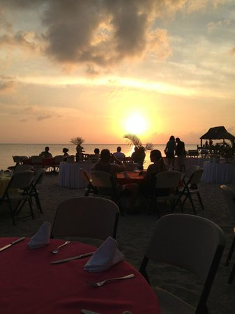 Secrets Aura Cozumel: Sunset Dinner