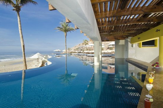 Westin Resort & Spa Los Cabos: Margaritas Swim Up Bar