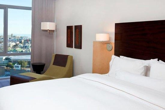 The Westin Cape Town: Grand Deluxe Guestroom
