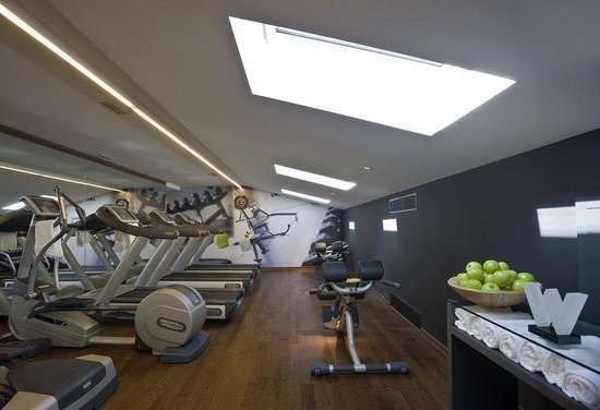 W İstanbul: Sweat Fitness Center