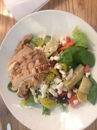 Banner Elk, NC: Petite Greek Salad with Chicken