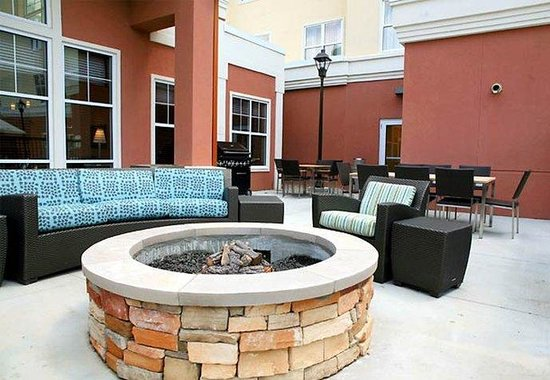 Hoover, AL: Outdoor Patio