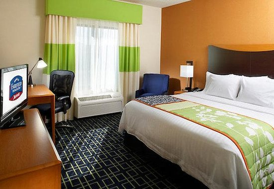 Fairfield Inn & Suites Pittsburgh Neville Island: King Guest Room
