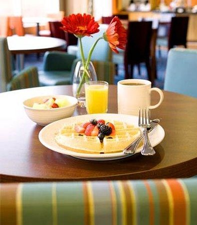 Residence Inn Seattle Bellevue/Downtown: HomeTouch Breakfast