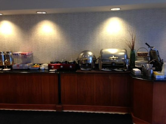 Wingate by Wyndham Atlanta/Buckhead: Plentiful breakfast