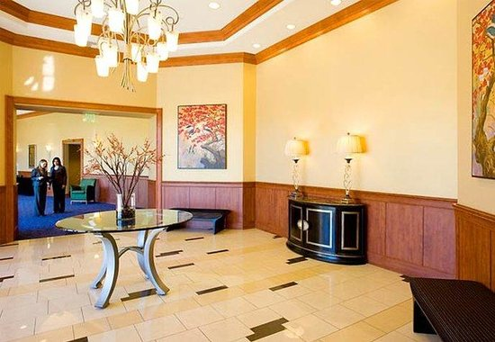 Courtyard by Marriott San Diego Airport/Liberty Station: Liberty Rotunda