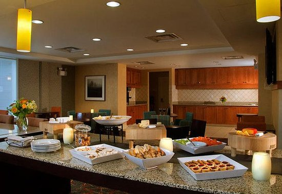Residence Inn by Marriott: Manager's Toast