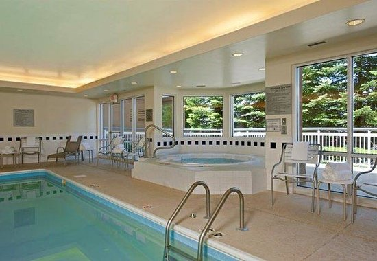 Naperville, IL: Indoor Whirlpool