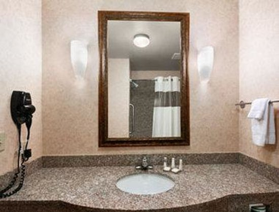Granbury, : Bathroom