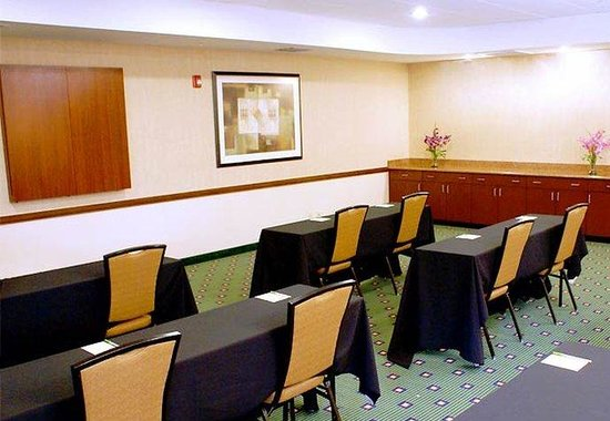 Courtyard by Marriott Miami at Dolphin Mall: Meeting Room – Classroom Style