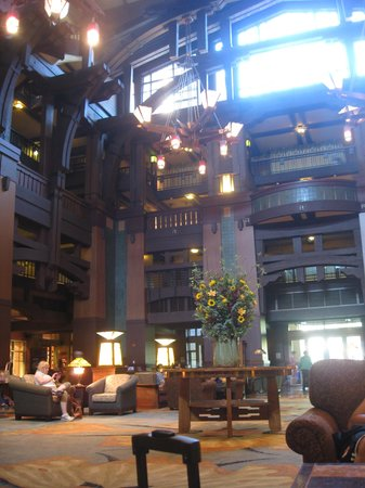 Disney&#39;s Grand Californian Hotel: lobby