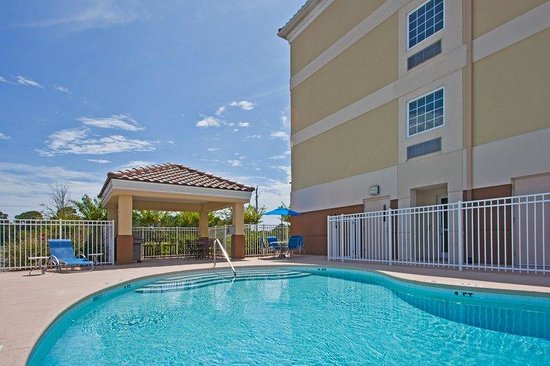 Candlewood Suites Destin - Miramar Beach: Swimming Pool
