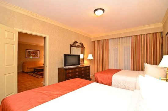 Brentwood, TN: Two Queen Bed Guest Suite