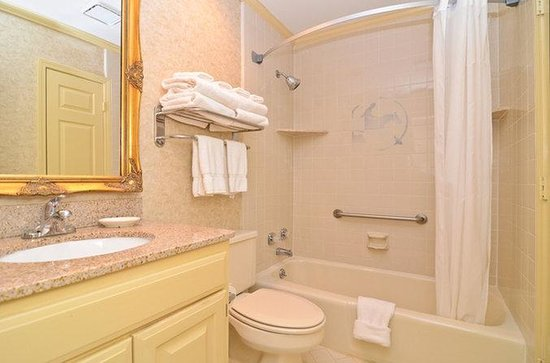 Brentwood, TN: Suite Guest Bathroom