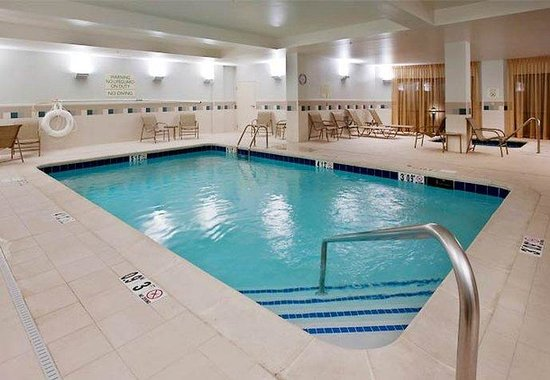 Jackson, TN: Hotel Indoor Pool