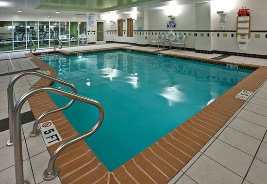 Fairfield Inn & Suites Wilmington / Wrightsville Beach: Indoor Pool