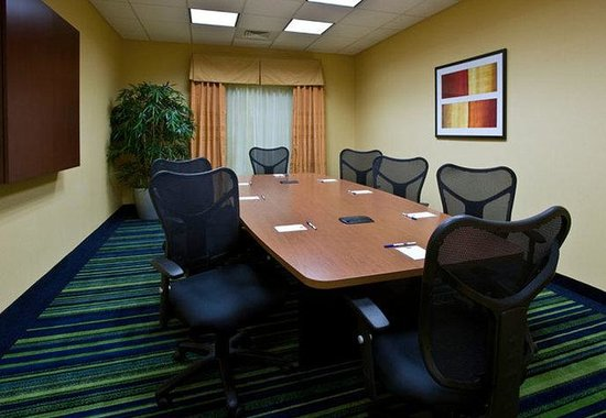 Fairfield Inn & Suites Wilmington / Wrightsville Beach: Boardroom