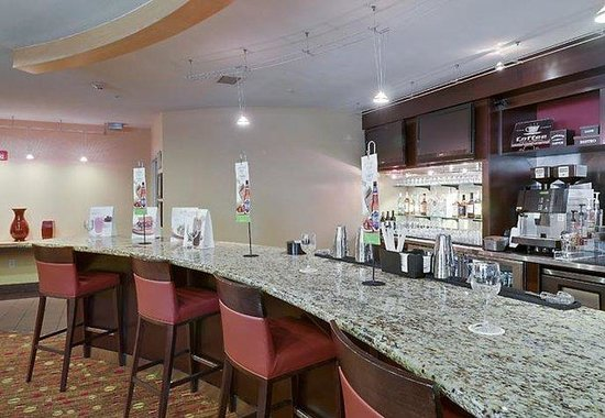 Courtyard by Marriott Franklin Cool Springs: The Bistro Bar