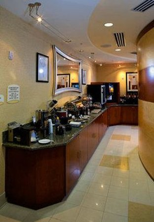 SpringHill Suites Naples: Breakfast Buffet