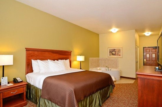 Dickinson, ND: Guest Room Spa Suite