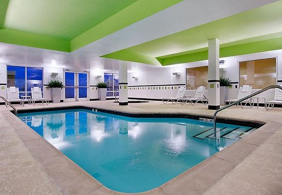 Conway, AR : Indoor Pool & Spa