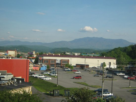 Red Roof Pigeon Forge: View from our 5th floor room