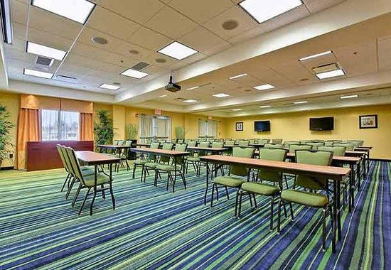 Fairfield Inn &amp; Suites Orange Beach: Lakeview Room  Classroom Setup