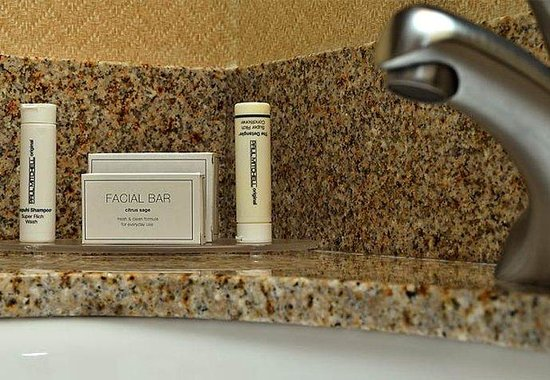 Spanish Fort, : Suite Bathroom Amenities