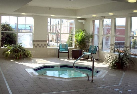 Waynesboro, VA: Indoor Whirlpool