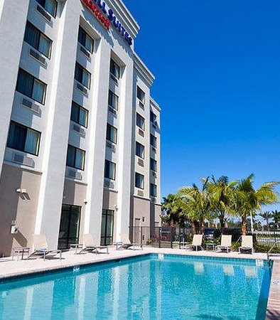 Springhill Suites Marriott West Palm Beach: Outdoor Pool