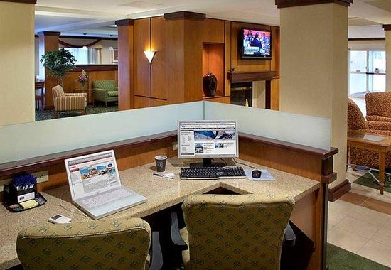Comfort Inn: Business Library