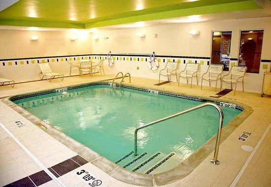 Texarkana, TX: Indoor Salt-Water Pool