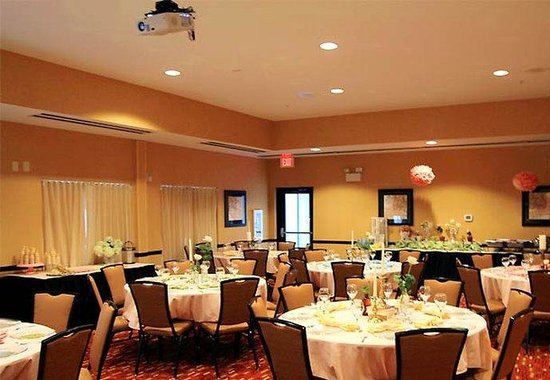 Courtyard by Marriott Statesville: Meeting Space - Social Event