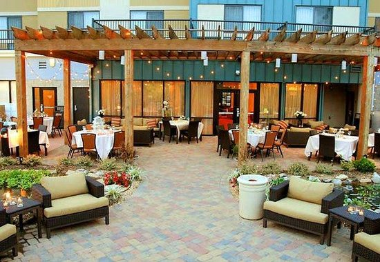 Courtyard by Marriott Statesville: Outdoor Social Events