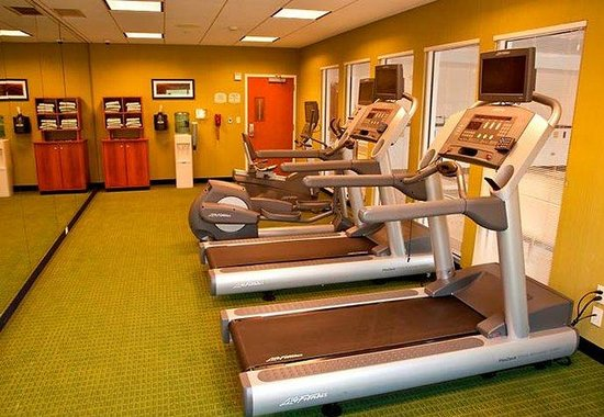 Fairfield Inn &amp; Suites Rockford: Fitness Center