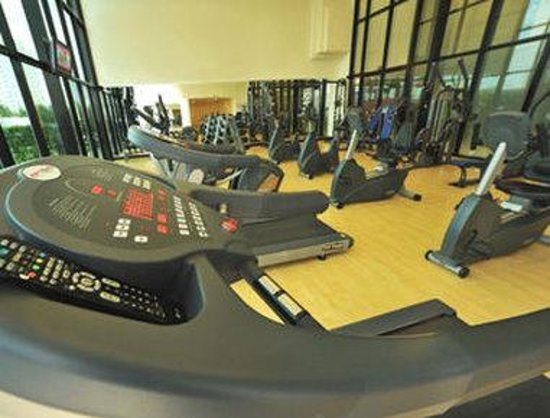 Ramada Hotel & Suites Ajman: Fitness Center