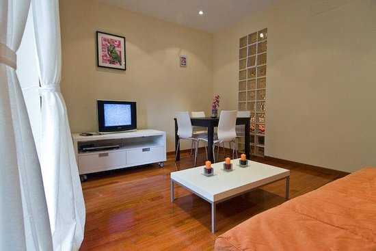 Prado Apartments : One Bedroom Apartment