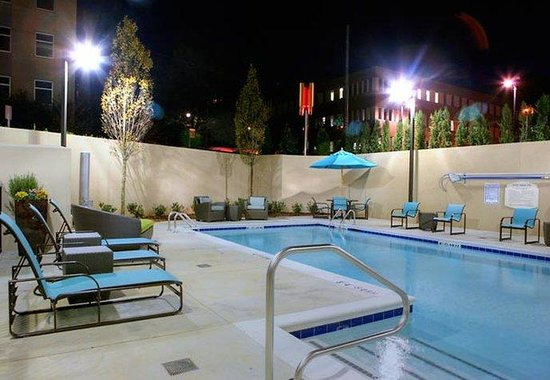 Residence Inn by Marriott Birmingham Downtown at UAB: Outdoor Pool