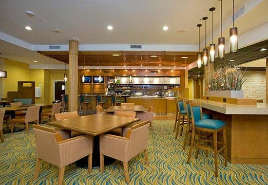 Courtyard by Marriott New Braunfels River Village: Bistro Café