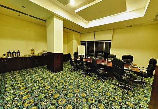 Courtyard By Marriott Guayaquil: Executive Board Room