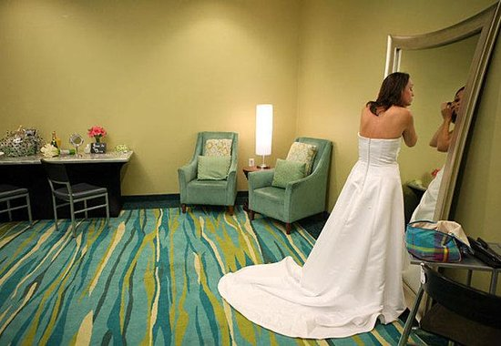 SpringHill Suites Savannah Downtown/Historic District: Bridal Suite