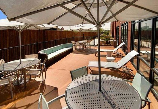 SpringHill Suites San Antonio Airport: Sun Deck