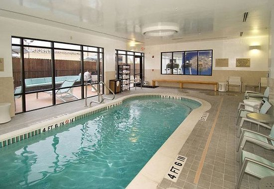 SpringHill Suites San Antonio Airport: Indoor Pool