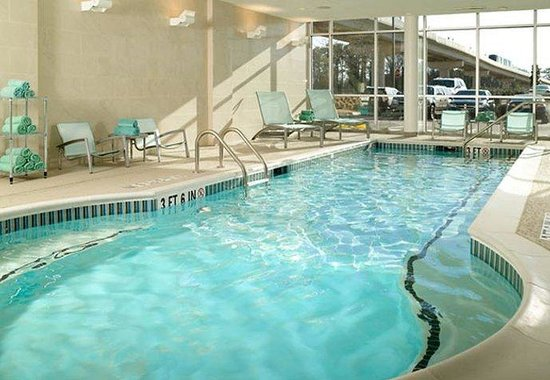 College Park, GA: Indoor Pool