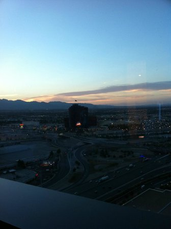 Vdara Hotel & Spa: early evening view