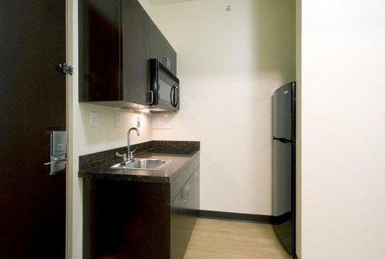 Beaumont, TX: Suite with Kitchen