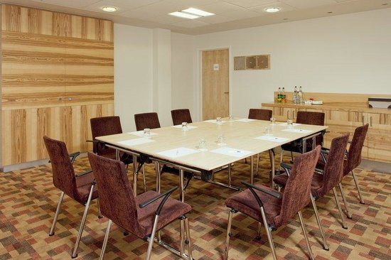 Tamworth, UK: One of four meeting rooms seating 2 - 80 delegates