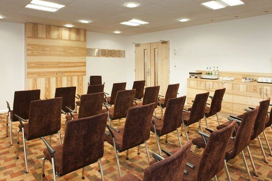 Tamworth, UK: Theatre Style Meetings for up to 80 delegates