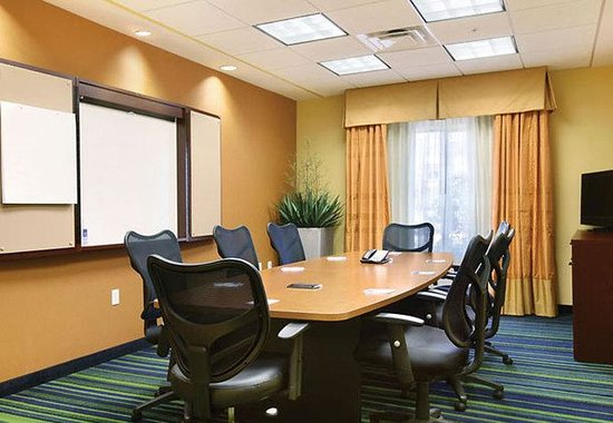 Fairfield Inn & Suites Weirton: Boardroom